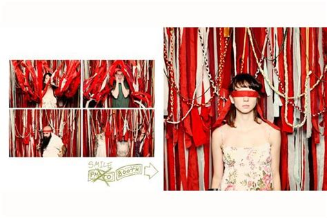 idea  work holiday party photobooth christmas decor