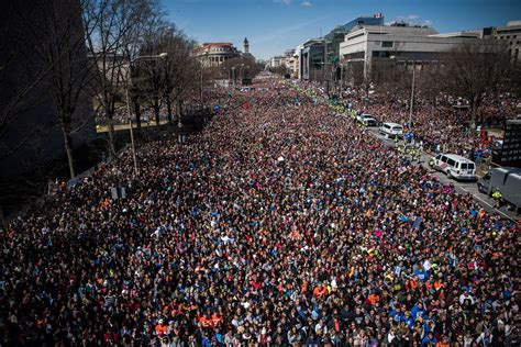 This Is How Many People Reportedly Attended The March For Our Lives In Dc Glamour