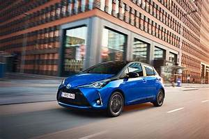 Toyota Yaris Hybride Dynamic : toyota yaris hybrid blue dynamic ~ Gottalentnigeria.com Avis de Voitures