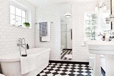 White And Black Tiles For Bathroom by Black And White Tiled Bathroom 2017 Grasscloth Wallpaper