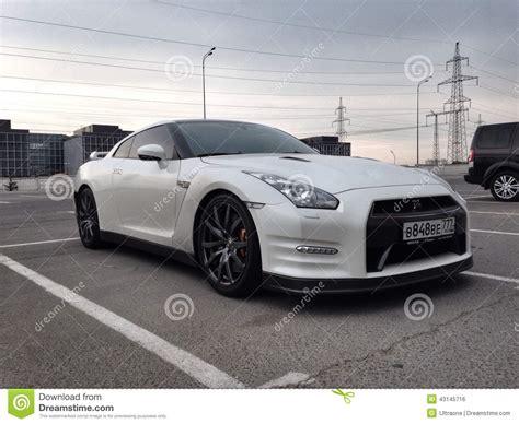 white nissan car white nissan qashqai car editorial photo cartoondealer