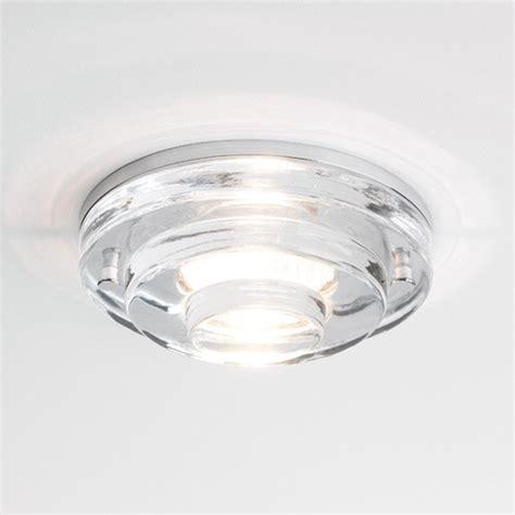 oswietlenie  sufitow podwieszanych oswietlenie