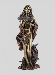 32 Powerful Statues Of Greek Gods, Goddesses and ...