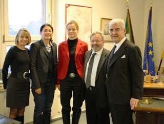Consolato Generale D Italia Hannover by Giuseppe Scigliano I Deputati Verdi On Viola Cramon