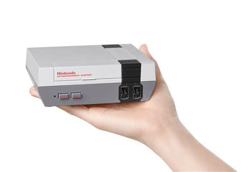 Nintendo Console by La Console Nes De Nintendo Est De Retour Jeux