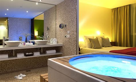 Top Hotels With Sexy Inroom Jacuzzis Room5