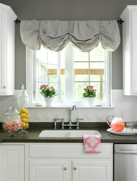 rideau pour cuisine le rideau en une décoration pour l 39 intérieur