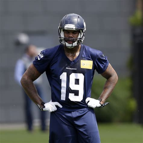 seahawks waive  players sign wr morrell presley