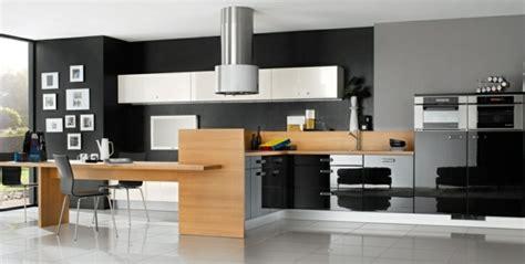 cuisine noir et inox la cuisine bois et noir c 39 est le chic sobre raffiné