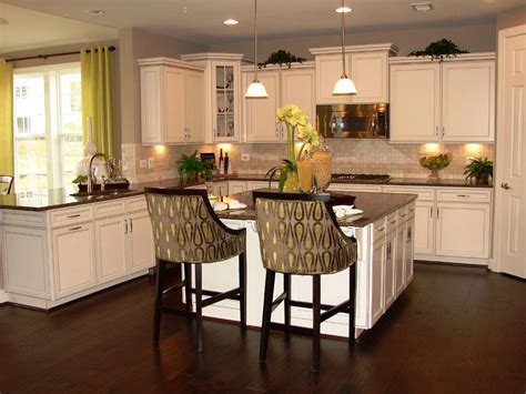 diy antiquing kitchen cabinets antique white kitchen cabinets diy emerson design diy 6799