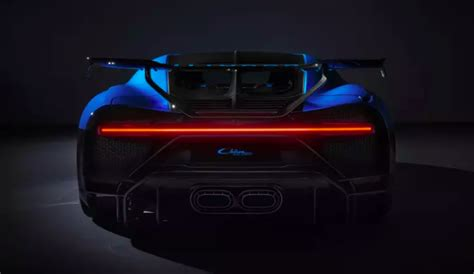Bugatti claims that the chiron makes the dash from zero to 60 mph in a mere 2.3 seconds, and it has a top speed of 261 mph. Bugatti Chiron Pur Sport uses 3D printed Titanium exhaust covers to save weight | Shifting-Gears