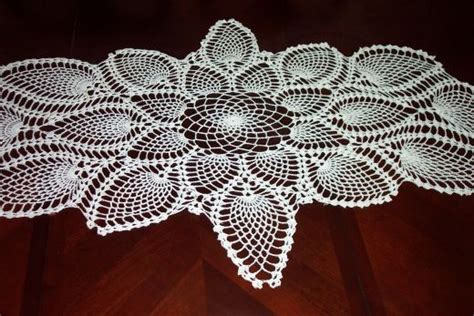 free crochet pineapple table runner patterns captivating crocheting make crocheted table runners wall