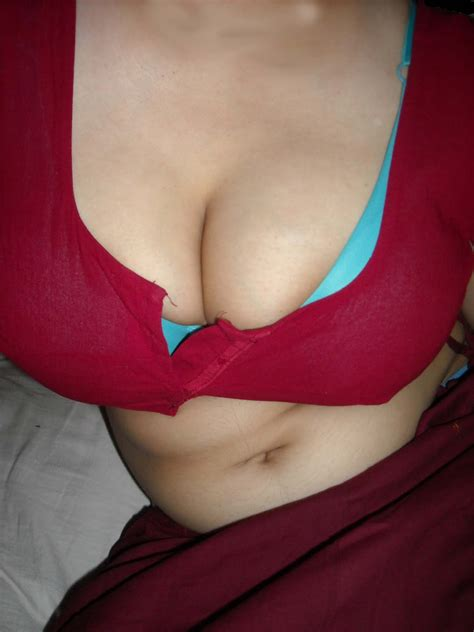 Freedesiblogcom Desi Aunty Big Boob In Red Blouse