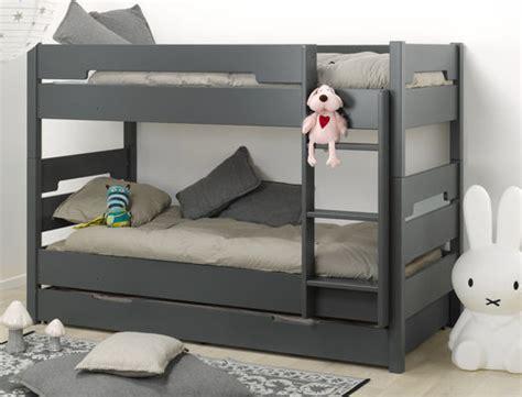 bureau peu encombrant trendy le lit enfant superpos avec tiroir de lit un