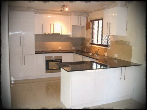 kitchen design and layout ideas u shaped kitchen designs with breakfast bar small layout 7914