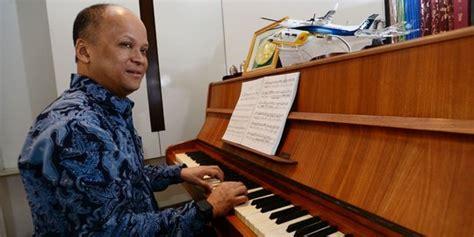 Cara Melakukan Aborsi Jakarta Timur Ilham Habibie Me Time Saya Bermain Piano Dan Membaca