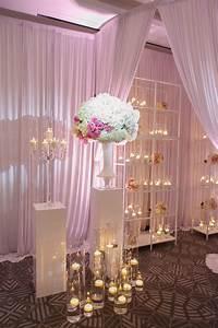 Reception, D, U00e9cor, Photos, -, Candles, And, Flowers, On, Shelf