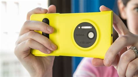 lumia 1020 grip the nokia lumia 1020 it s all about the review