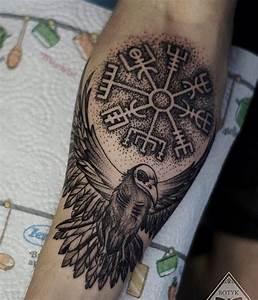 Compas De Vegvisir : 40 tatuagens de guerreiros vikings e s mbolos da sua cultura ~ Melissatoandfro.com Idées de Décoration