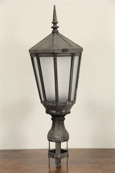 sold  york city salvage  antique street light