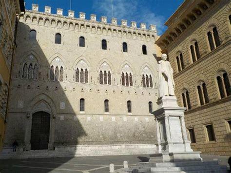 Sede Monte Dei Paschi Di Siena Sede Mps Foto Di Monte Dei Paschi Di Siena Siena