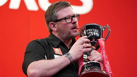 Džeimss Veids trešo reizi triumfē prestižajā ''UK Open'' - Citi sporta veidi - Sportacentrs.com