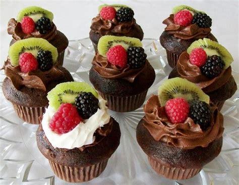 chocolate images chocolate kiwi  berries cupcake hd