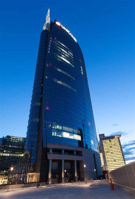 impressive eco friendly bank buildings