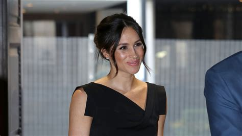 Meghan Markle Exits Suits Ahead Of Prince Harry Wedding Bt