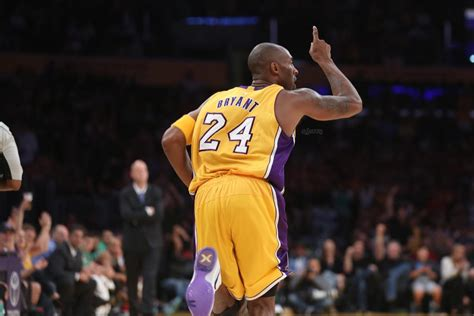 WATCH: Kobe Bryant With 21 Points in 18 Minutes vs Maccabi ...