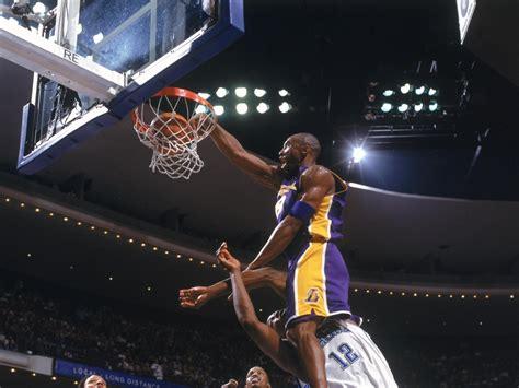 Kobe Bryant Dunks Wallpaper Kobe Bryant Dunk On Dwight Howard Youtube