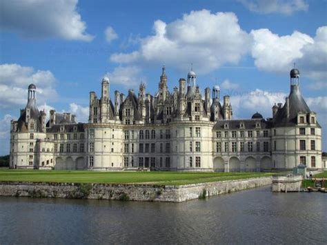 chateau de chambord tourism holiday guide