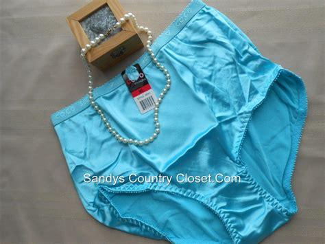 Bisexual Sissies In Panties And Kotex