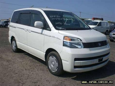 Review Toyota Voxy by Toyota Voxy Noah Review