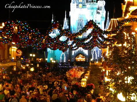 when do disney world christmas lights go up