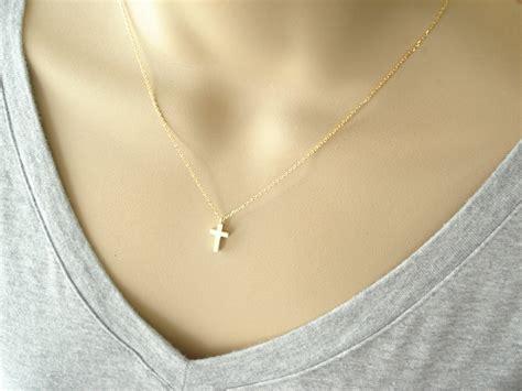 Ribbon Cross Necklace - Traumspuren