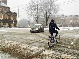 More heavy snow likely to cause rush-hour chaos on Monday ...
