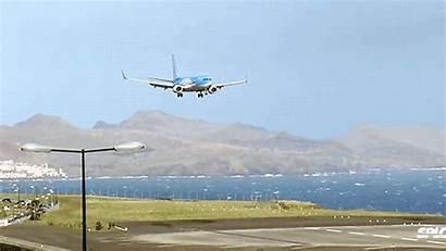 Landing Plane Dive Pilot Takes Saves Suddenly