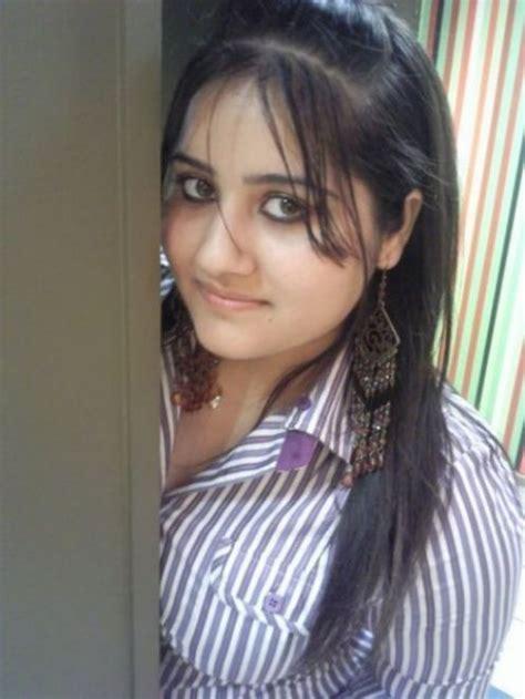 Ayesha Beautiful Desi Teen Girl From Pune Islamabad