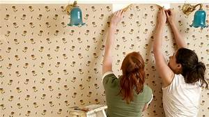 Wallpaper removal hacks that make a tough job easier