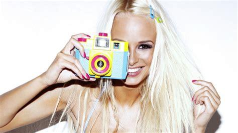 Rhian Sugden Camera Blonde Girl Smile Photo 10237