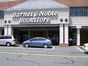 barnes and noble charlottesville photophile midnight madness muggles gather for