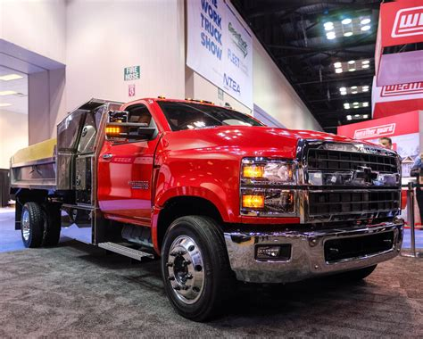 Heavy Duty Chevy Trucks by Chevy Gets Back Into Big Truck With Ultra