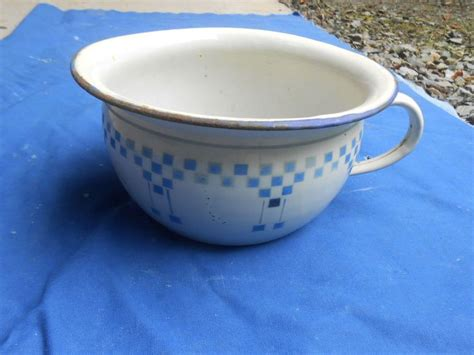pot de chambre antique pot de chambre ancien tole emaillee decor lustucru