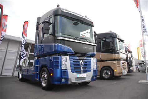 renault trucks magnum renault trucks corporate press releases 10 magnum with