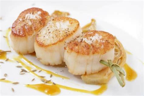 cuisine coquille st jacques recette de brochette de jacques fenouil au miel et