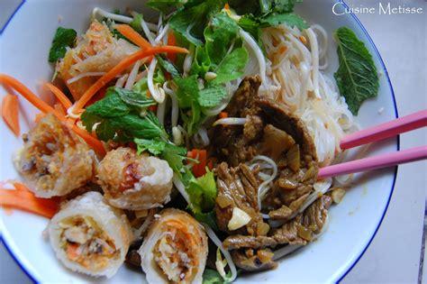 cuisine vietnamienne bo bun salade vietnamienne de crudités vermicelles de