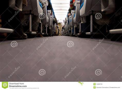 siege d avion couloir et sièges à l 39 intérieur d 39 avion photos stock