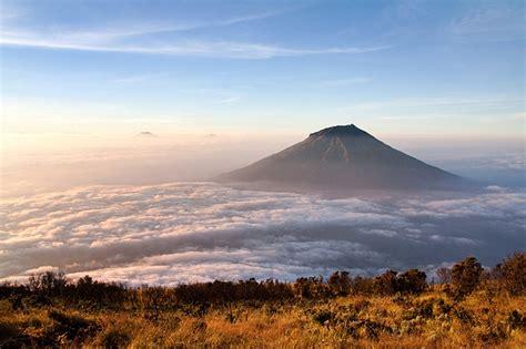 stasiun terdekat pendakian gunung sumbing sindoro merapi