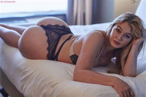 Pinning Her Curves Or Wrists Down Iskra Lawrence Cleavage